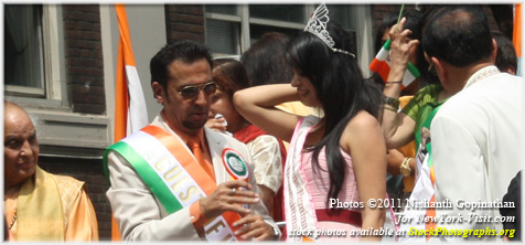 Gulshan Grover, Pandit Jasraj at India Day Parade New York City 2011